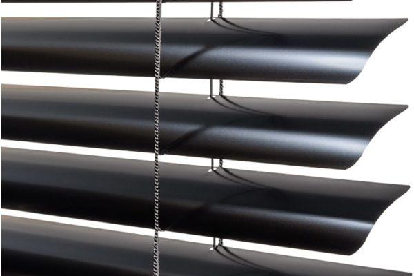 metals-macro-black-2-048-wide